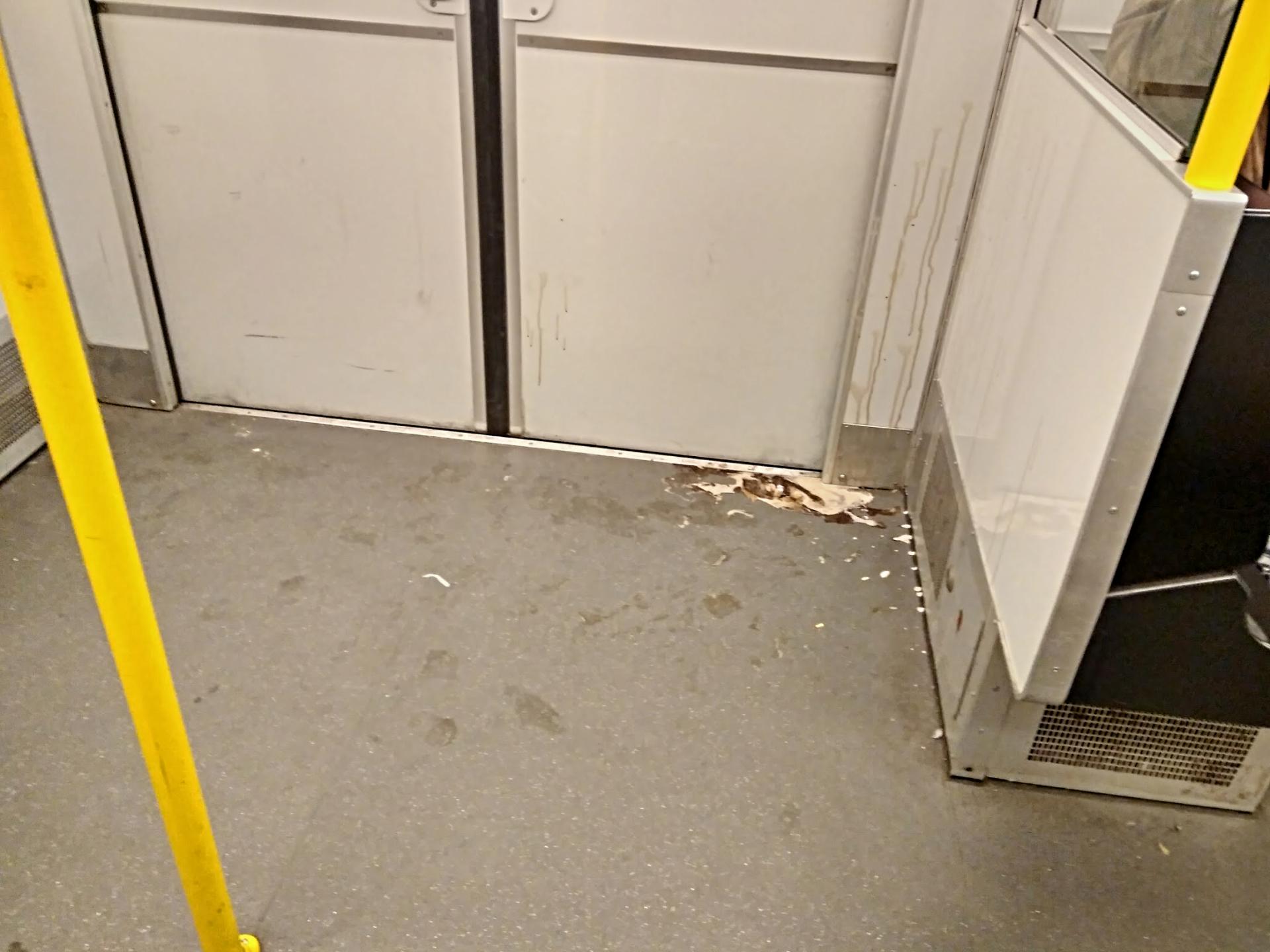 Мороженое в метро
